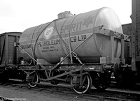 Private Owner wagon BP Shell Oil Tank 1599