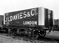 Private Owner wagon J.L. Davies 121