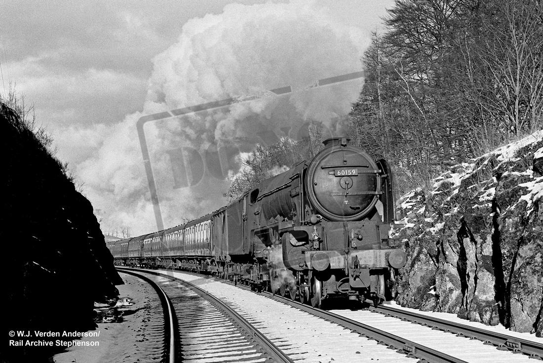 Rail-Online: A1 4-6-2 (Peppercorn) &emdash; 60159 1962-03 Glenfarg bank