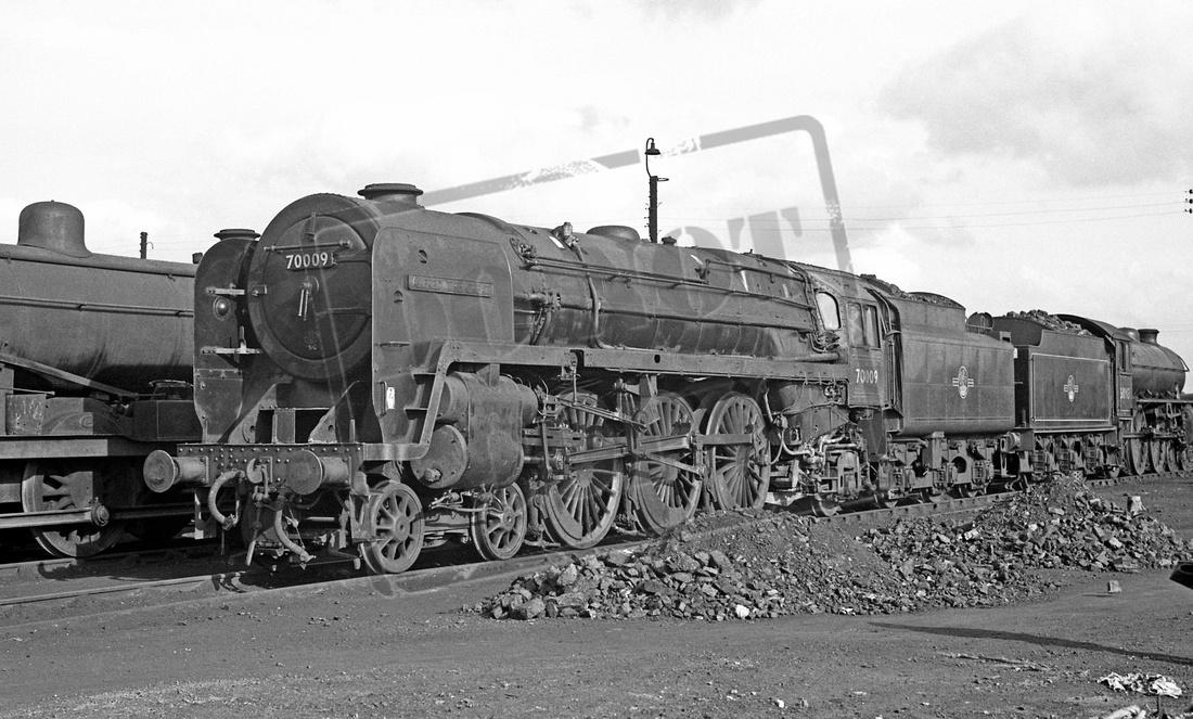 Rail-Online: 70xxx Britannia 4-6-2 &emdash; 70009 1962c March