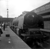 462xx 1959-04-04 London Euston-ROneg-1304-401