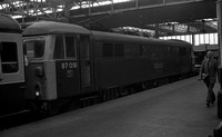 87018 c1981 Manchester Piccadilly-ROnegA22007