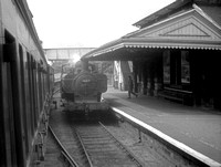 3627 1962-04 Mountain Ash GWR station