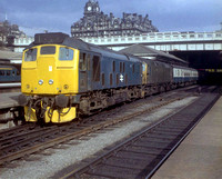 241xx 1974c Edinburgh Waverley