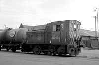 D2424 1966-06-17 Inverness Docks