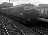 10000 1950s London Euston